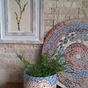 """,Színőrvény """" Mozaik Korong Kaspóval, Dekoráció, Otthon, lakberendezés, Dísz, Kaspó, virágtartó, váza, korsó, cserép, Kerámia, Fehér agyagból kézzel felrakásos technikával  készítettem  ezt az egyedi mintájú párost .Mozaik jel..., Meska"""