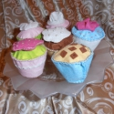 6 db-os muffin készlet, gyerekjáték! , Játék, Dekoráció, Plüssállat, rongyjáték, Dísz, Varrás, Eladásrs kínálom ezt a 6 db-os, kézzel varrott, vatelinnel tömött muffin szettet. Kiváló játszótárs..., Meska