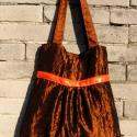 Barna-narancs shantung táska, Táska, Szatyor, Válltáska, oldaltáska, Varrás, Barna alapon, narancs árnyalatú, színjátszó shantung anyagból készítettem ezt a táskát. A húzás fölé..., Meska