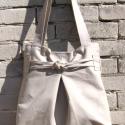 Polett pakolós táska, Táska, Válltáska, oldaltáska, Varrás, Polett-nak neveztem el ezt a táska sorozatot. A képen látható erős, vastag vászonból készült, bélése..., Meska