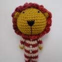 horgolt oroszlán csíkos pizsamában, levehető sörénnyel, Játék, Játékfigura, Plüssállat, rongyjáték, Horgolás, magassága kb:20 cm , Meska