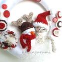 Ünnepváró amigurumi cicás hóemberes ajtódísz adventre, karácsonyra, Dekoráció, Karácsonyi, adventi apróságok, Otthon, lakberendezés, Karácsonyi dekoráció, Ünnepváró amigurumi cicás és hóemberes ajtódísz adventre, karácsonyra  Az amigurumi kismacska hóembe..., Meska