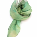 Pisztácia hernyóselyem kendő, Ruha, divat, cipő, Női ruha, Selyemfestés, Pisztácia zöldes színe ihlette ezt a nyakba való kis Pongée 0.5 enyhén fényes felületű hernyóselyem..., Meska
