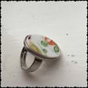 Shabby Chic Narancsos színvilágú Vintage Gyürü , Ékszer, óra, Gyűrű, Ékszerkészítés, Újrahasznosított alapanyagból készült termékek, Narancszsín porcelán gyürü ezust színü állítható méretü alapon.  Újrahasznosított porcelán tányér d..., Meska