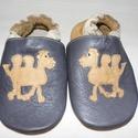 Puhatalpú bőr  cipő  tevés, Baba-mama-gyerek, Ruha, divat, cipő, Cipő, papucs, Bőrművesség, Varrás, Puhatalpú bőr mamusz. A lábak szabad mozgásáért!Termékem bőrből készült.A talp  velúrbőrből a csúsz..., Meska