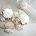 Textil rózsás, Shabby stílusú szalvétagyűrű, Dekoráció, Esküvő, Ünnepi dekoráció, Esküvői dekoráció, Virágkötés, Mindenmás, MEGLEPETÉS-bolt oldalamon! Teljesen kézzel készült!  Hófehér pamutvászon csíkból csináltam a rózsák..., Meska