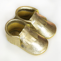 Bőr mokaszin - Arany, Baba-mama-gyerek, Ruha, divat, cipő, Gyerekruha, Baba (0-1év), Varrás, Teljesen bőr babacipő, mely ideális a járni tanuló babáknak, vagy nagyobb gyermekeknek.  15-26-os m..., Meska