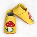 Bőr puhatalpú babacipő - Gomba, Baba-mama-gyerek, Ruha, divat, cipő, Gyerekruha, Baba (0-1év), Varrás, Teljesen bőr babacipő, mely ideális a járni tanuló babáknak, vagy nagyobb gyermekeknek.  15-26-os m..., Meska