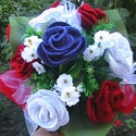 Horgolt rózsa csokor, Baba-mama-gyerek, Dekoráció, Esküvő, Esküvői csokor, Horgolás, Virágkötés, Horgolt rózsákból és művirágokból, valamint díszítőelemekből áll.  A rózsacsokorban 1db királykék s..., Meska