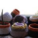 Horgolda - pólókaspó 1. , Otthon, lakberendezés, Kaspó, virágtartó, váza, korsó, cserép, Újrahasznosított alapanyagból készült termékek, Horgolás, A Horvacska Műhely másik jelensége, a Horgolda, Anyukám alkotásai. Újrahasznosításának alapanyaga a..., Meska