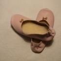 Rózsaszín női, bőr mokaszin, rendelhető, Ruha, divat, cipő, Cipő, papucs, Bőrművesség, Varrás, Puha bőrből készítem ezt a  rózsaszín női mokaszint. Otthoni használatra javaslom. Hátul a boka rész..., Meska