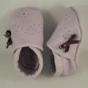 Puhatalpú lila Orgonavirág  bőrcipő,  masnis, virágos,Piloo, , Baba-mama-gyerek, Ruha, divat, cipő, Baba-mama kellék, Cipő, papucs, Bőrművesség, Varrás,  Egyik kedvenc bőrcipőm ez a lila, masnis, virágos puhatalpú lábbeli.  I. osztályú bőrből készített..., Meska