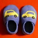 Piloo puhatalpú bőrcipő  autós mintával, Baba-mama-gyerek, Ruha, divat, cipő, Baba-mama kellék, Cipő, papucs, Bőrművesség, Varrás, Puha bőrből készült ez a cipőcske, felső részét autó díszíti.  Alapszín barna vagy sötétkék. A mint..., Meska
