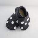 Piloo pöttyös bőr cipő 11 cm  (készleten), Baba-mama-gyerek, Ruha, divat, cipő, Baba-mama kellék, Cipő, papucs, Bőrművesség, Varrás, Puha juhnappából készül ez a puhatalpú cipőcske, fehér pöttyös díszítéssel,egy réteg bőr talppal,pu..., Meska