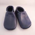 Piloo sötétkék bőr cipő 13,5 cm  (készleten), Baba-mama-gyerek, Ruha, divat, cipő, Baba-mama kellék, Cipő, papucs, Bőrművesség, Varrás, Puha juhnappából készül ez a puhatalpú cipőcske, sötétkék bőrből.Minta nélkül készült, egyszerű, és..., Meska