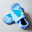 Puhatalpú bőrcipő, vízicsigás nyári (16 cm készleten), Baba-mama-gyerek, Ruha, divat, cipő, Baba-mama kellék, Cipő, papucs, Bőrművesség, Varrás, Puhabőrből készült ez a cipőcske, felső részét vizicsiga díszítni.Az alapszín világos kék, a vízics..., Meska
