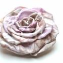 Különleges árnyalatban - extra rózsadísz, Ékszer, óra, Dekoráció, Bross, kitűző, Ékszerkészítés, Sokat kísérletezgettem, amíg kifejlesztettem ennek a rózsának a technikáját, saját ötlet a festés, a..., Meska