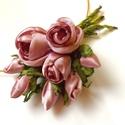 Rózsaszín  romantika-textilékszer-rózsás nyakék, Ékszer, óra, Nyaklánc, Ékszerkészítés, Púderes árnyalatú rózsaszín szatén rózsákból álló nyakdísz, hogy igazán romantikus, nőies hatást ér..., Meska
