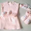 Négyrészes kötött ruhaszett kislány babáknak, Ruha, divat, cipő, Gyerekruha, Baba (0-1év), Kisgyerek (1-4 év), Horgolás, Kötés, Saját tervezésű, kézzel kötött és horgolt mellény, szoknya, bébicipő és hajpánt kislány babáknak. E..., Meska