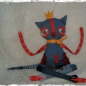 Karakteres macskusz ...., Dekoráció, Képzőművészet , Otthon, lakberendezés, Baba-és bábkészítés, Varrás, Extra rendes macska. Ő vicces és udvarias. Méret : 24 cm ülve, kinyújtott lábikókkal :  54 cm magas..., Meska