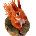 Vörös mókus, Dekoráció, Otthon, lakberendezés, Mindenmás, Vörös barna - fehér színű mókuska, borzos farokkal és füllel.  Feje, teste fonalból készített pompo..., Meska