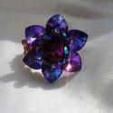 Nympaea, azaz vízililiom által ihletett gyűrű , Ékszer, óra, Gyűrű, Ékszerkészítés, Gyöngyfűzés, A gyönyörű vízililiomok ihlették ezt a 3,5 cm átmérőjű, gyönyörű, szikrázó gyűrűt. Heliotrop szív a..., Meska
