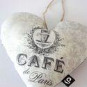 Vintage szív, Dekoráció, Otthon, lakberendezés, Varrás, Mindenmás,  Vintage hangulatú, 14 cm x 12cm (+ akasztó) nyomott mintás textil szív. :) , Meska