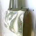 Gizi táska minták zöld keretben, Táska, Válltáska, oldaltáska, Varrás,  Amikor megláttam ezt az anyagot, beindult a fantáziám, alkotni egy szép táskát, szemet gyönyörködt..., Meska