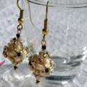 Barokk bogyó fülbevaló, Ékszer, óra, Fülbevaló, Ékszerkészítés, Gyöngyfűzés, Gyönyörű barokk formájú, különböző méretű gyöngyökből fűzött bogyó, bronz színű fülialapon. Színe:..., Meska