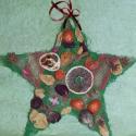 Bőség csillag - adventi ajtódísz, Dekoráció, Karácsonyi, adventi apróságok, Ünnepi dekoráció, Karácsonyi dekoráció, Mindenmás, Virágkötés, Narancskarika, ánizs, rózsaszirmok, dióhéj, szalag... minden ami szemet gyönyörködtető. Szizál és d..., Meska