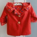 Trendi  kislány kabát, Ruha, divat, cipő, Gyerekruha, Kisgyerek (1-4 év), Varrás, Ez a kívül- belül piros színű kislány kabát, kétrétegű, ami azt jelenti, hogy már nem melegszik túl..., Meska