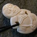 """Tiki medál, Ékszer, óra, Medál, Nyaklánc, Ékszerkészítés, Szobrászat, """"kisméretű, emberi magzatot ábrázoló nyakfüggő, az új-zélandi maorik termékenységi szimbóluma. Rend..., Meska"""