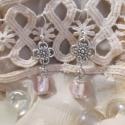 Gelsey, Ékszer, óra, Ruha, divat, cipő, Fülbevaló, Női ruha, Ékszerkészítés, Fémmegmunkálás, Gelsey egy selyemfényű, rózsaszín ezüstfóliás gyöngyöt magábafoglaló fülbevaló csipkeszerű kalappak..., Meska