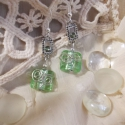 Gardenia, Ékszer, óra, Ruha, divat, cipő, Fülbevaló, Női ruha, Fémmegmunkálás, Ékszerkészítés, Gardenia egy selyem fényű, zöld színű ezüstfóliás gyöngyös fülbevaló drótdíszítéssel és zöld köves ..., Meska