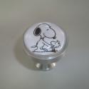 Snoopys fogantyú! , Otthon, lakberendezés, Dekoráció, Bútor, Gyurma, Üvegművészet, Egyedi készítésű design fogantyú!   Alapja egyedi tervezésű alumínium, amiben egy kis snoopys kép v..., Meska