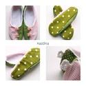 Bohóc  papucs, Ruha, divat, cipő, Cipő, papucs, Varrás, Pihe-puha vidám kis papucsot készítettem  halvány rózsaszín kockás és zöld színű  pöttyös pamutvász..., Meska