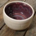 Kerámia  japános teáscsésze (fehér-lila), Otthon, lakberendezés, Konyhafelszerelés, Bögre, csésze, Kerámia, Fehér agyagból készült, magastűzön (1200 fokon) tömörre égetett japános teáscsésze, repesztett küls..., Meska