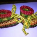 Horgolt apró babacipő őszi színekben, Baba-mama-gyerek, Ruha, divat, cipő, Gyerekruha, Baba (0-1év), Horgolás, Jól mosható gyapjú fonalból horgoltam, a mérettel igazából kísérleteztem, - nagyon pici babának jó...., Meska