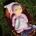 Lábas alvómanó ruhában, Baba-mama-gyerek, Játék, Képzőművészet, Baba, babaház, Baba-és bábkészítés, Varrás, A baba, a waldorf babák mintájára készül természetes anyagokból.  Töltete gyapjú, ruhája plüss. A b..., Meska