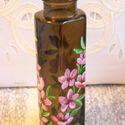 Tavaszi váza, Dekoráció, Otthon, lakberendezés, Kaspó, virágtartó, váza, korsó, cserép, Festett tárgyak, 15 cm magas, 5 cm legnagyobb átmérőjű, téglalap alakú, de sarkokon lekerekített, sötét, füst színű ..., Meska