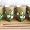 Hóvirágos kapucsínós szett, Konyhafelszerelés, Bögre, csésze, Festett tárgyak, 4 db, bézs színű, elegáns alakú bögrére hóvirágokat festettem.  Talán hamarabb jön majd a tavasz, e..., Meska