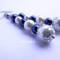 Elegáns kék-fehér fülbevaló, Ékszer, óra, Fülbevaló, Kék-fehér üvegtekla gyöngyből készítettem ezt a fülbevalót ezüstözött filigrán gyöngyfoglalattal. A ..., Meska