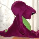 Barney, Játék, Baba-mama-gyerek, Dekoráció, Plüssállat, rongyjáték, A kedves dinó a Barney és barátai-ból, pihe-puha softból, ülő formátumban. Barney ülve kb. 30 cm, ál..., Meska