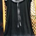 Pepita, Ruha, divat, cipő, Női ruha, Felsőrész, póló, Foltberakás, Varrás, Fekete,egyszerű felsőre pepita(fekete-fehér) betoldások varrva:nyakköré,ujj végére és aljára kissé ..., Meska