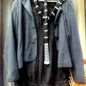 Új őszi kollekciók- Árnyék tánc, Ruha, divat, cipő, Női ruha, Ruha, Festett tárgyak, Varrás, Fekete blézer kabátka,hozzáillő fekete zsebes tunikával,zsebeinél vékony,fehér csigavonal kanyarog. ..., Meska