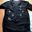 """Karácsonyi ruha-""""Extrákkal"""", Ruha, divat, cipő, Női ruha, Ruha, Festett tárgyak, Varrás, Karácsonyi ruha,vagányan: Fekete anyagon fehér textilfestékkel festett hópihék és a ruha hátulján e..., Meska"""