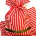 Piros fehér csíkos tasak, zsák.  Piros és zöld szalaggal. , Karácsonyi, adventi apróságok, Ajándékzsák, Varrás, Piros fehér csíkos tasak, zsák.  Piros és zöld szalaggal.   Környezetbarát:)  Nem átlátszó, így nyu..., Meska