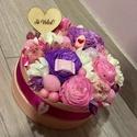 """Virág box """"szerelmes üzenettel"""", Dekoráció, Otthon, lakberendezés, Virágkötés, A rózsaszín box átmérője 13 cm. Ebbe tűzőhabot rögzítettem, erre kerültek a különböző termések, róz..., Meska"""