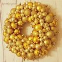 Ragyogó karácsonyi gömb koszorú-Ajtódísz aranyba öltözve, Dekoráció, Karácsonyi, adventi apróságok, Otthon, lakberendezés, Ünnepi dekoráció, Karácsonyi dekoráció, Virágkötés, Egy elegáns, tündöklő koszorút készítettem, melyet ajtódísznek vagy fali dísznek is használhatsz em..., Meska