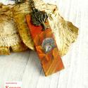 Őszi,sünis bőr nyaklánc, Ékszer, óra, Nyaklánc, Ékszerkészítés, Kézzel festett,narancssárga,őszies,sünis nyaklánc bőr medállal. A medál 5.5x1.8cm,a lánc 50 cm hoss..., Meska